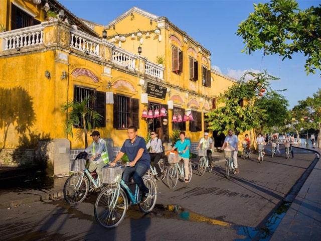 """Quang Nam solicita un plan de recepción a los turistas internacionales con """"pasaporte de vacunación"""""""